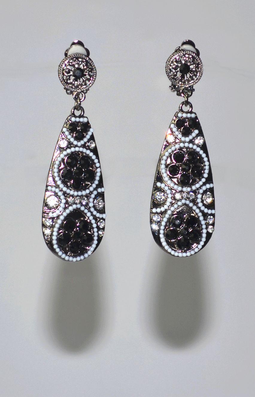 boucles d 39 oreille clips noires et perles mumbai miss jenny mij0034 idresstocode boutique de. Black Bedroom Furniture Sets. Home Design Ideas
