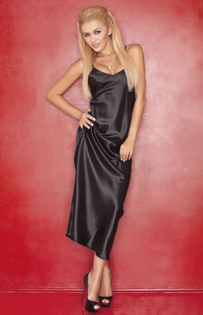 Long black satin nightgown Iga DK-IGA-N : idresstocode: online ...
